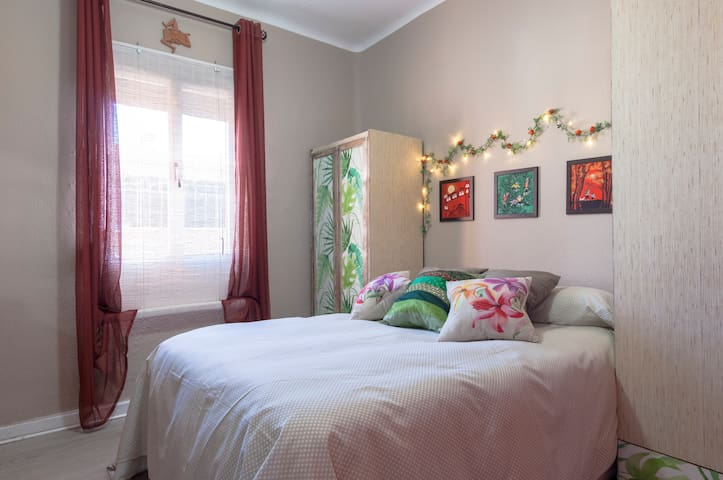Ideal room close to downtown - Madrid - Appartement