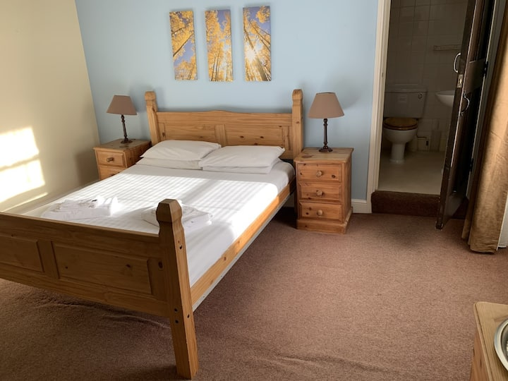 Comfort Ensuite Double Room - Cromwell Arms