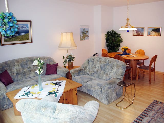 70 m² Apartment Appartementhaus Glowe for 6 persons - Glowe - Pis