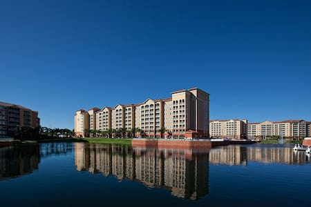 ORLANDO      stay at a luxury condo - Kissimmee