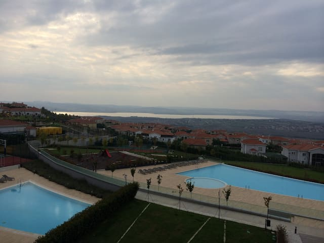 Amazing flat with sea and lake view - Buyukcekmece - อพาร์ทเมนท์