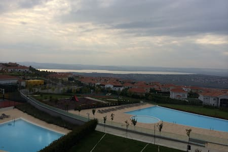 Amazing flat with sea and lake view - Buyukcekmece - Apartamento