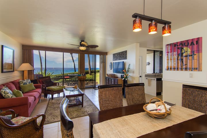 Oceanfront Condo with Sunset View