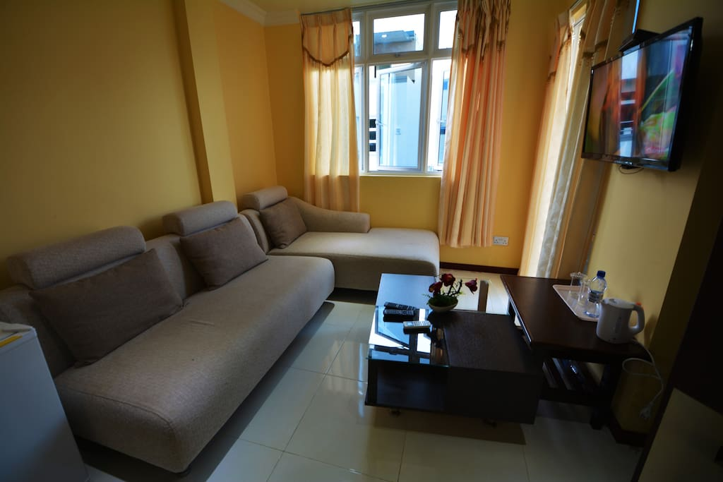 Deluxe family room village view bed and breakfasts for for The family room hulhumale