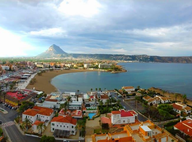 Arenal Beach (Javea) with Sea Views