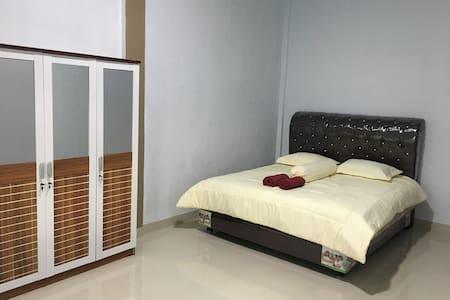 Rumah kamar sewa,penginapan keluarga,hotel budget