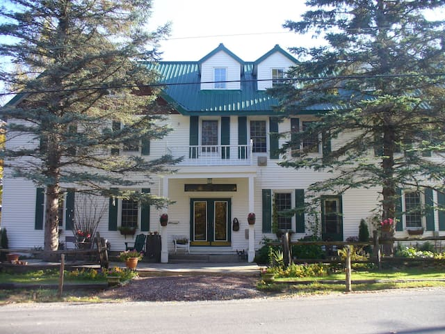 Built in the late 1800s, this old inn has tons of old Muskoka charm and yet all contemporary conveniences.