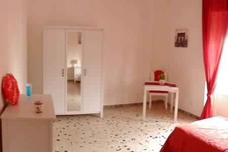 Aurelia stanze 2 - La Massimina-Casal Lumbroso - Appartamento