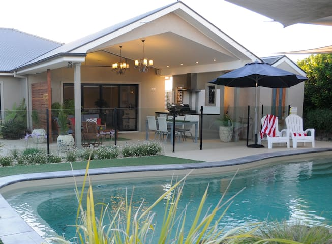 Seventy3 Boutique Villa with private pool