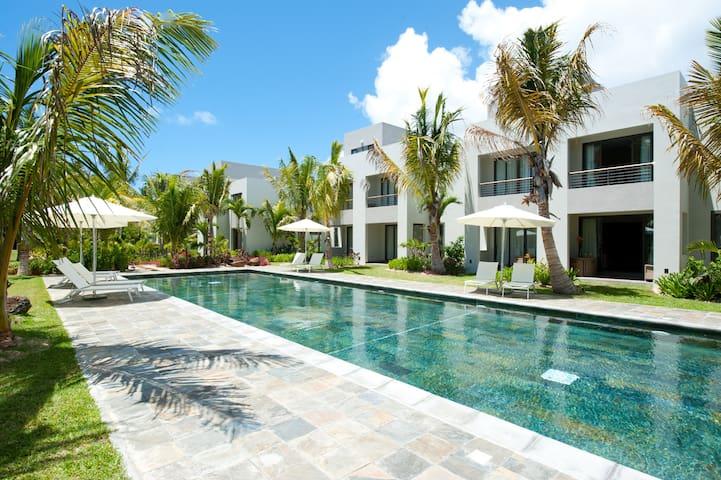 4* Family Deluxe Apartment opposite sandy beach