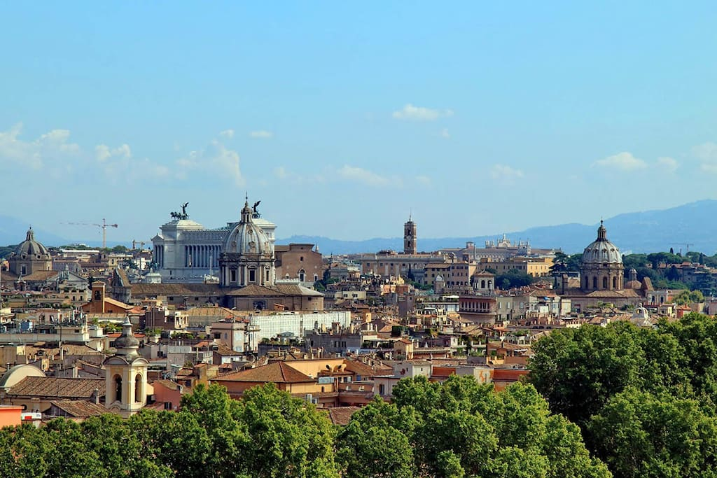City with view of Altare della Patria