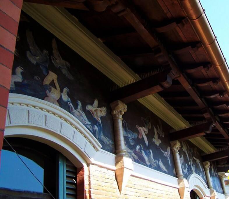 Un particolare del tetto del Villino Vitale. Suite Farnese è al 2 piano
