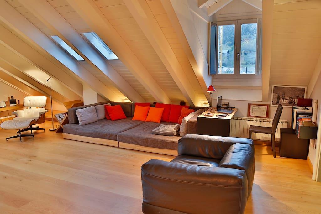 Salon sofa chill-out.