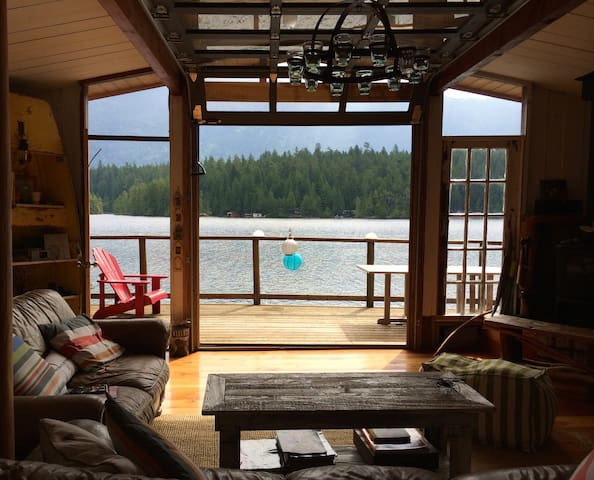 Industrial-Rustic Lake Cottage - Madeira Park