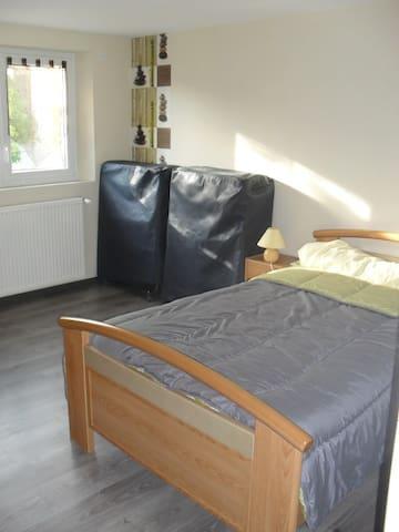 Logement avec terrasse, proche ClermontFerrand