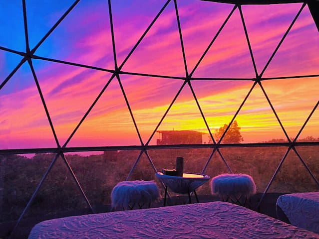 Star Gazing Dome (Virgo) on Private Ranch