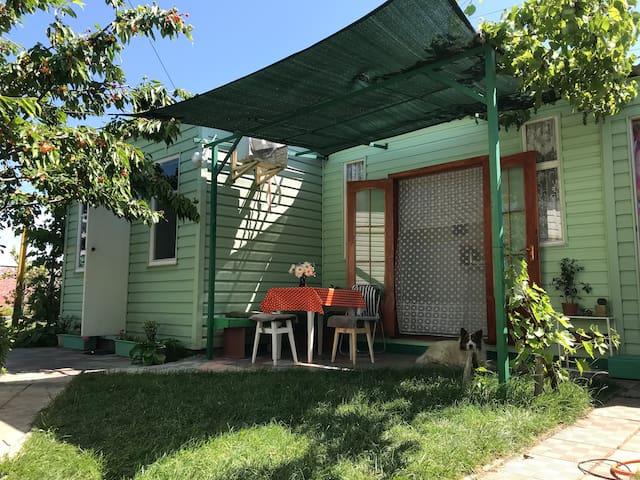 Азовское море - домик для одной семьи в Бердянске