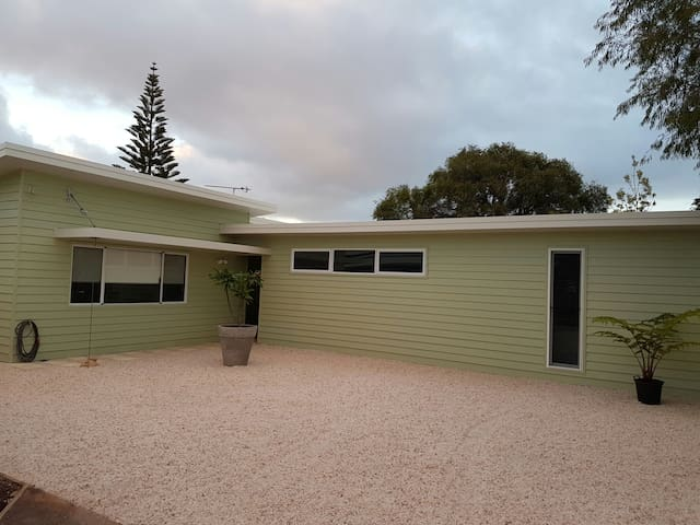 Beach Bum Bungalow - West Busselton - House