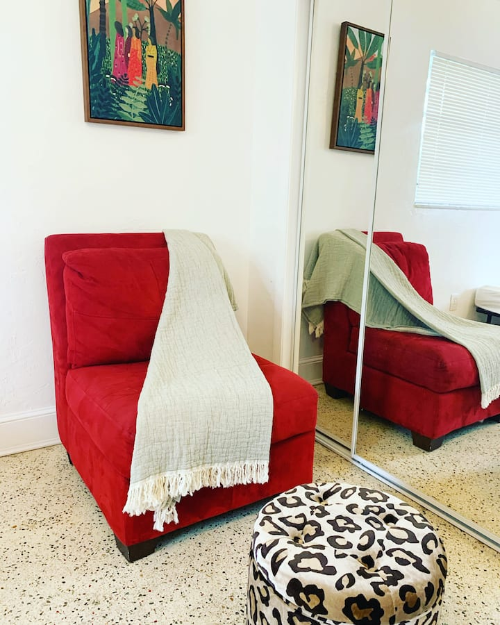 Creative & Entrepreneurial Culture Hostel Hub