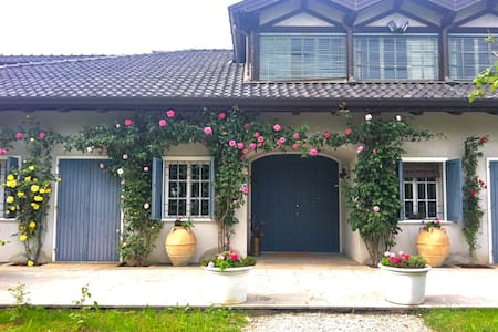 Charming suite in countryside villa - Casali Montegrappa - Bed & Breakfast