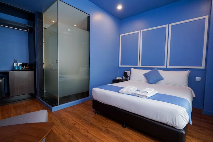 2Pax/D.Queen//Puchong/Coliving/Stay/Breakfast/Wifi