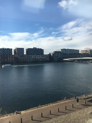 Room near Amsterdam central station Only Woman