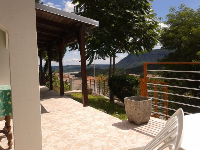 Cozy house with splendid view - Forgaria Nel Friuli - Kabin