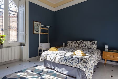 CASA MAGNO Blue Room