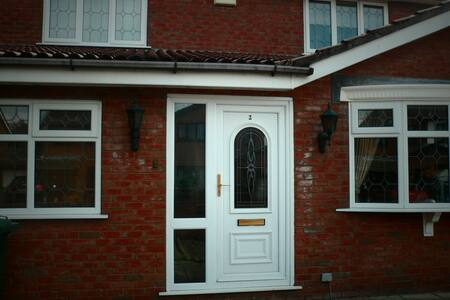 Lovely Detached House - Heywood - Casa