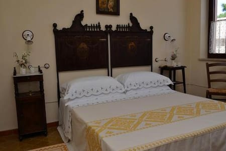 camera matrimoniale - Sinnai - Bed & Breakfast