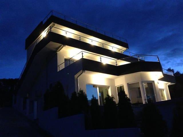 Vila Palmera Krasici 4 - Krašići - Apartment