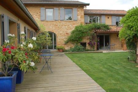 Beaujolais Golden stone Farmhouse near Lyon - Charnay