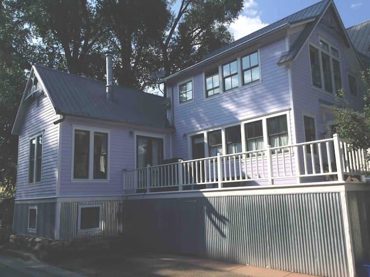 Center of Telluride, Sunny historic Victorian home