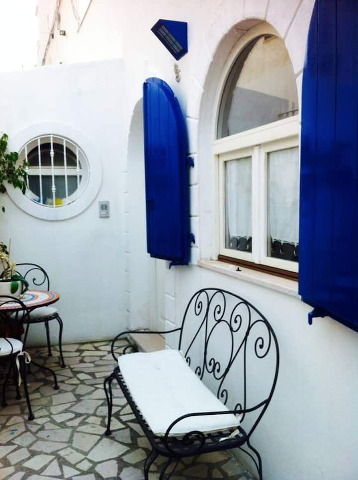 House with one bedroom in Peschici, with wonderful sea view and furnished terrace - 100 m from the beach