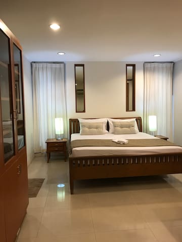 Private Room-1 bedroom (non-smoking room)
