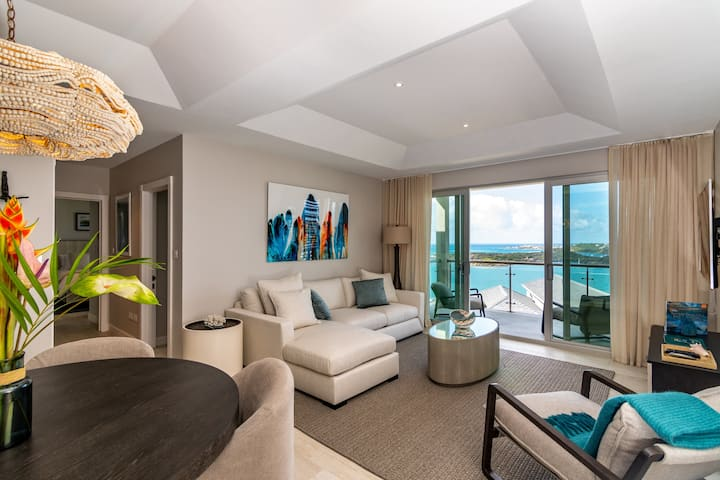 2-Bed Luxury Suite with Dramatic Ocean Views