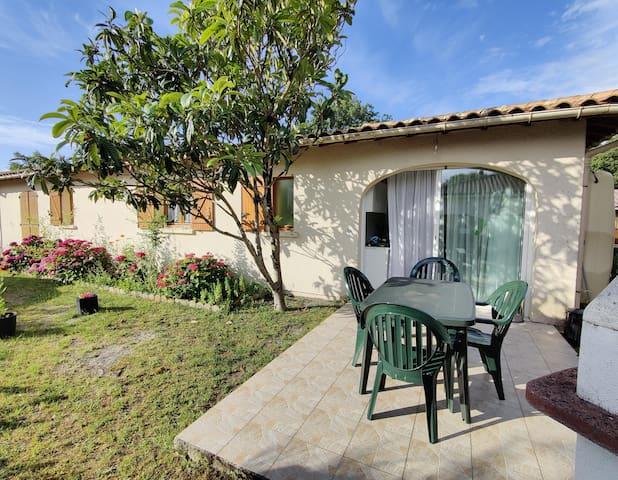 Soulac sur Mer - Beau T2 avec terrasse et jardin.