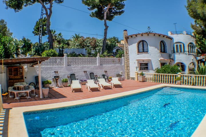 El Cisne - holiday home with private swimming pool in Benissa