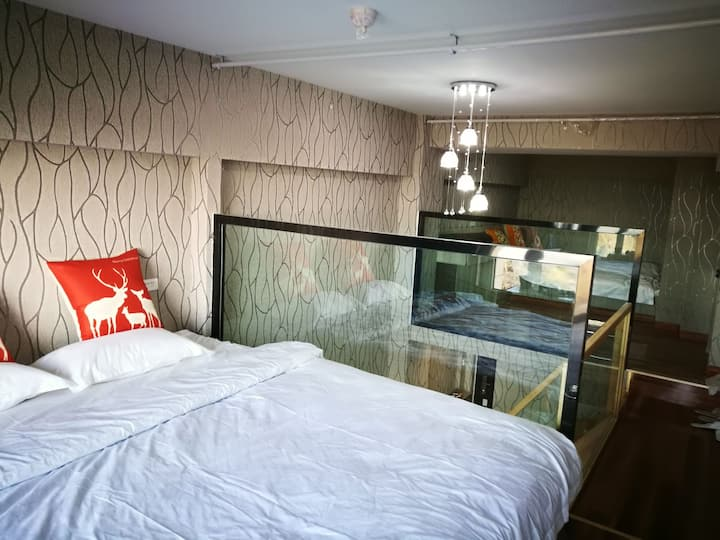 蓬莱阁海滨浴场观音苑超大海景床loft公寓