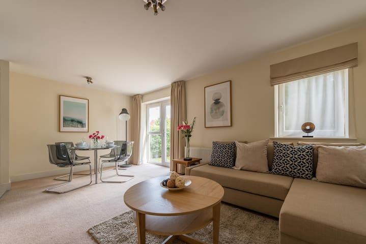Hampden Apartments - The Alexandra