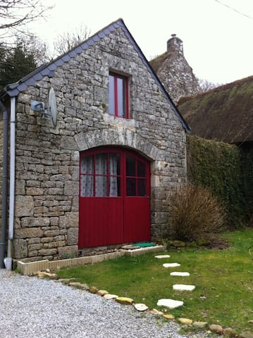 Maison de caractère (ancien grenier à pommes) - Saint-Barthelemy - Casa