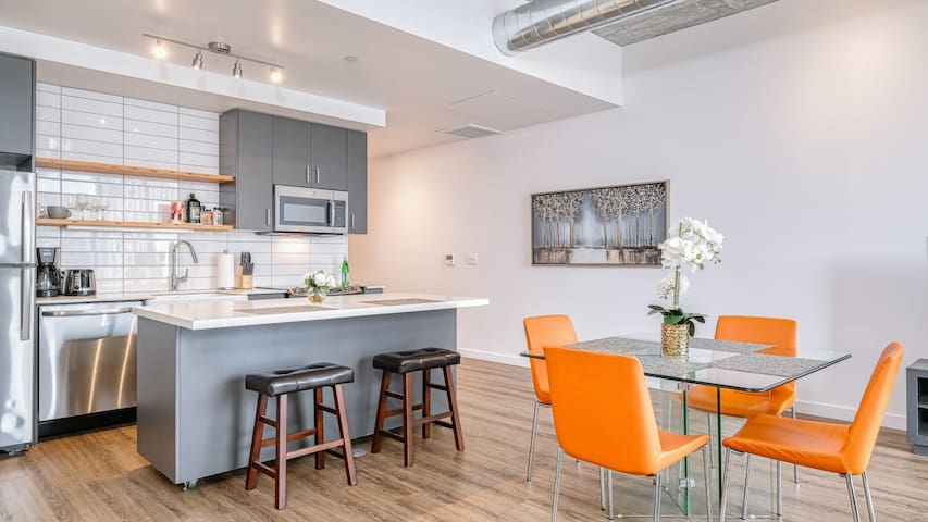 Stay long-term in this lux 1BD suite in downtown Portland