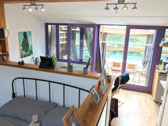Beautiful Floodlit Eco Apartment (Family, Friends)