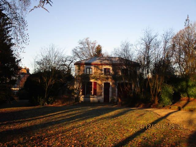 Charming house w/ garden Brussels Sth ULB EU Delta