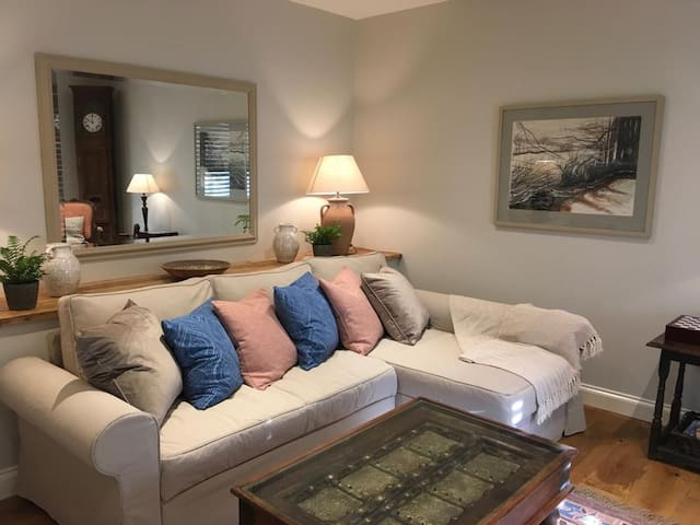 A spacious, tranquil  self-catering retreat.