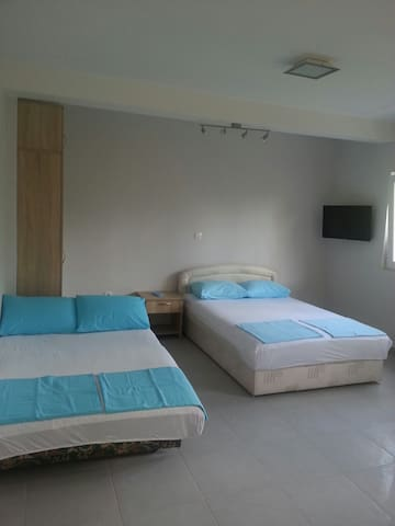 2 separate apartmants for 4 persons - Bijela - Departamento