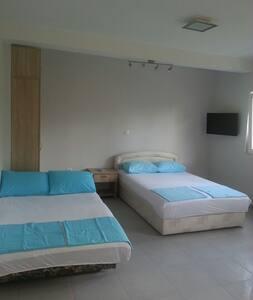 2 separate apartmants for 4 persons - Bijela