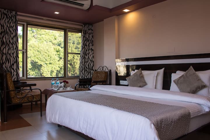 Couple room Mount View Lonavala