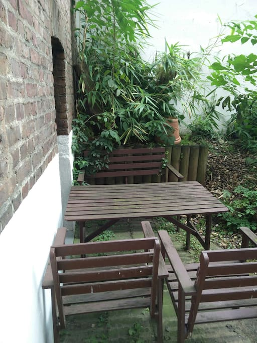 Your private little oasis in the middle of the city, only accessible from the flat.