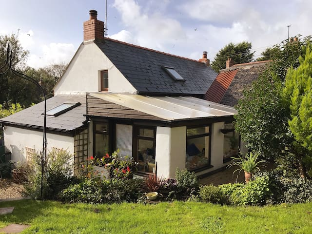 Quaint Pembrokeshire Cottage